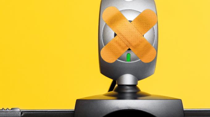 Россияне боятся слежки через веб-камеры